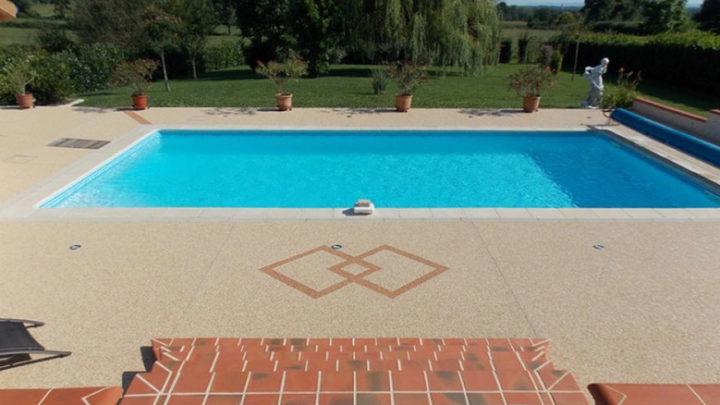 Guide des matériaux pour les terrasses de piscine : TOP Options pour les terrasses de piscine